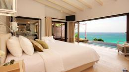 Download Wallpaper Luxurious room in the hotel Phuket with sea view 1868
