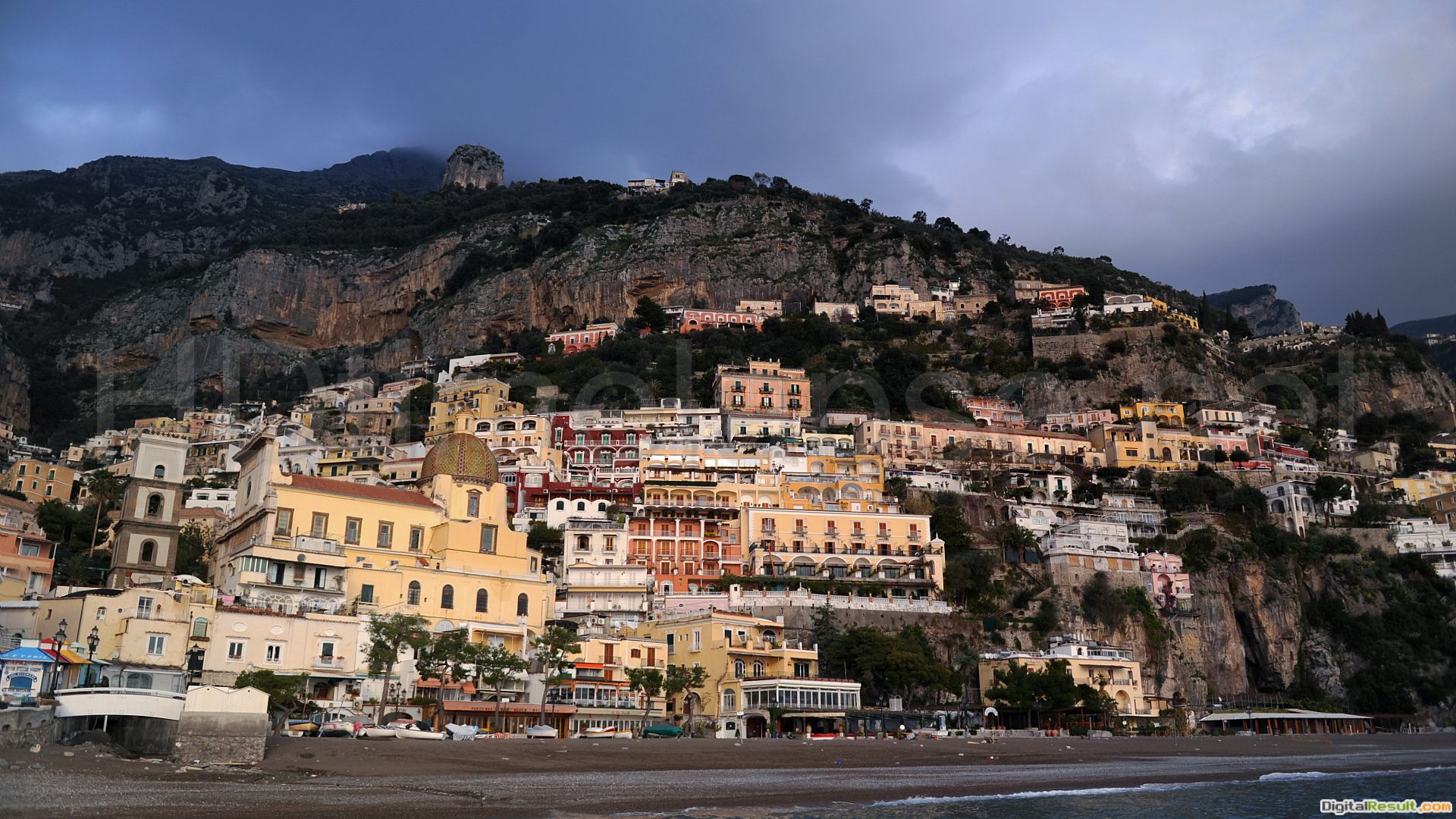 Houses on the cliff at the resort in Amalfi, Italy wallpapers and 1870