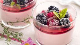 Ice cream with berries wallpapers and imageswallpapers, pictures 1425