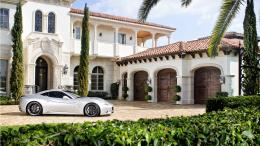 Ferrari near rich house wallpapers and imageswallpapers, pictures 256