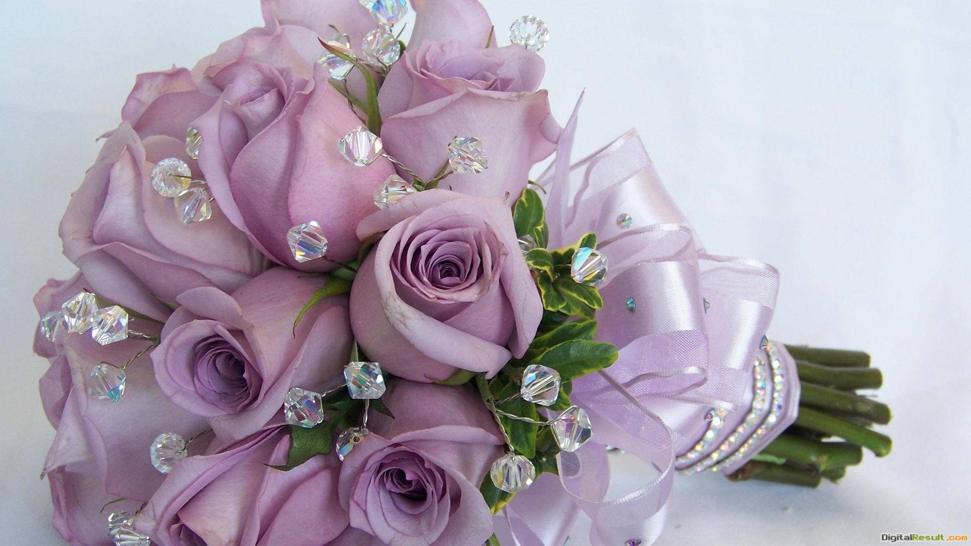 Purple roses in a wedding bouquet wallpapers and imageswallpapers 1925