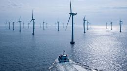 Download Wind turbines on the sea wallpaper in CityWorld wallpapers 1843