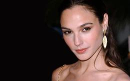Gal Gadot beauty earrings 1920x1200 Wallpapers, 1920x1200 Wallpapers 1588