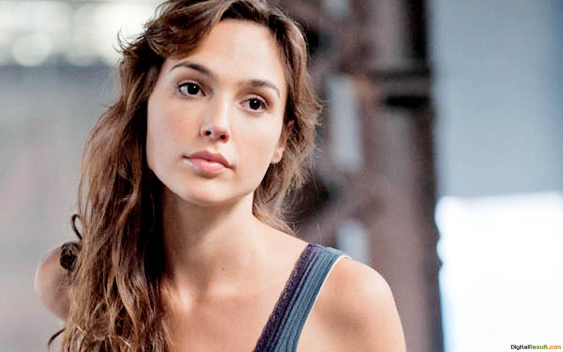 gadot wallpapers gal gadot wallpaper from movie gal gadot photo 238